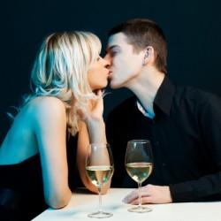 som är Curren y dating