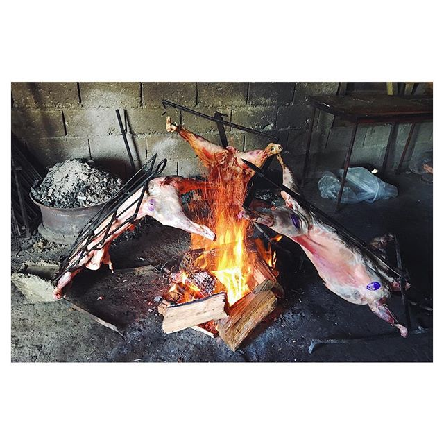 Cordero a la Cruz de Tierra del Fuego.. this tradition is coming home with us @coco0no