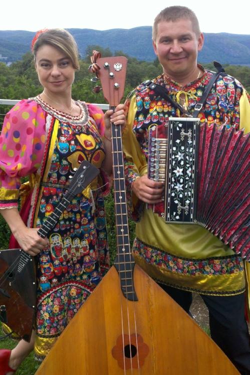Barynya Balalaika Duo Elina Karokhina and Mikhail Smirnov.jpg