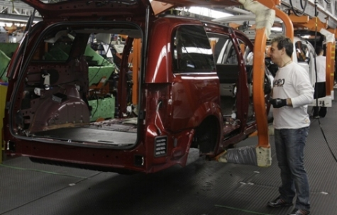 The minivan being assembled at Windsor's Chrylser Plant.  Source: cbc.ca
