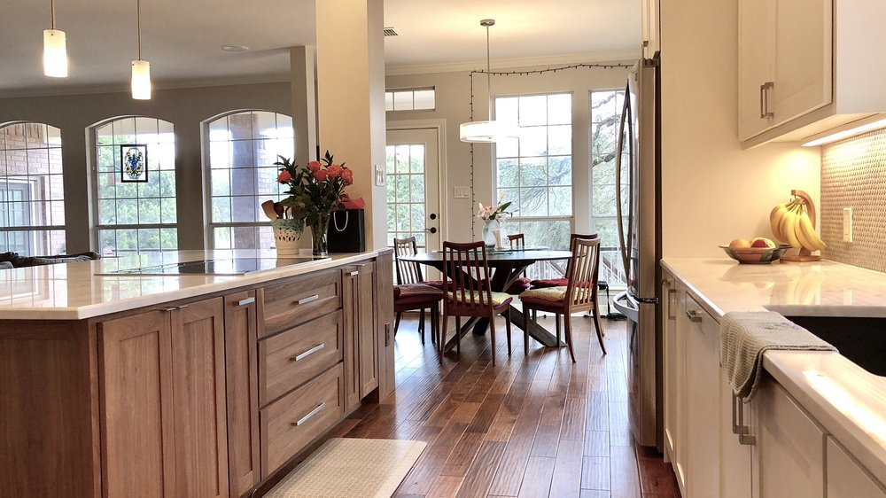 Kitchen Overview Wooded Island