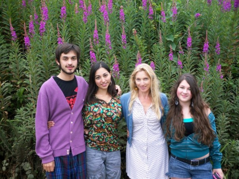 My bro, sis, mom and I on a family trip Summer 2009. Looking at these pics, I see now that I'm not even that enormous, but the comments people gave me psychologically distorted my self-perception.
