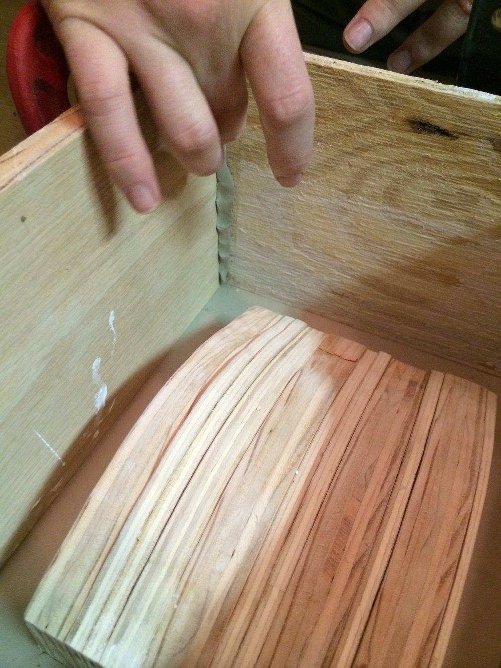 Sealing the joints in the cottle boards.