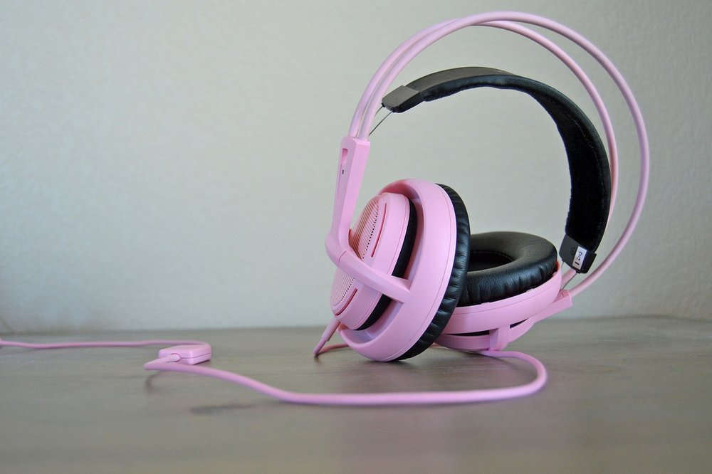headphones-814055_1280.jpg