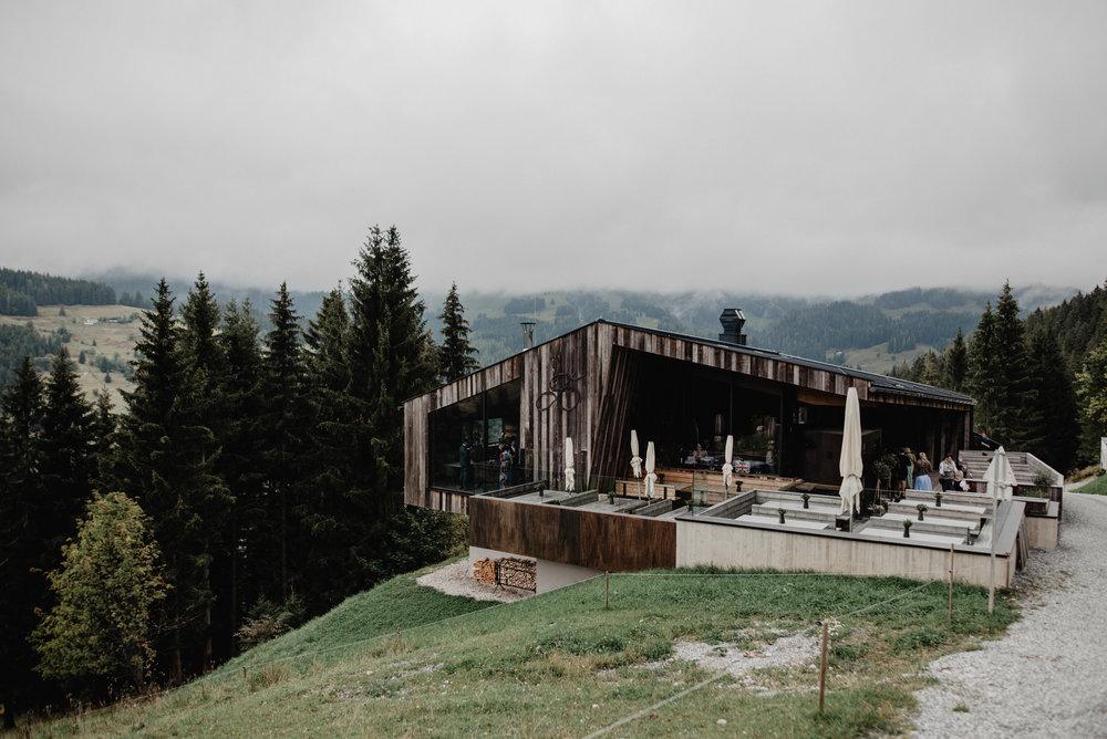 Kanadische-Destinationwedding-Berghochzeit-Dienten-MissFrecklesPhotography (47 von 96).jpg