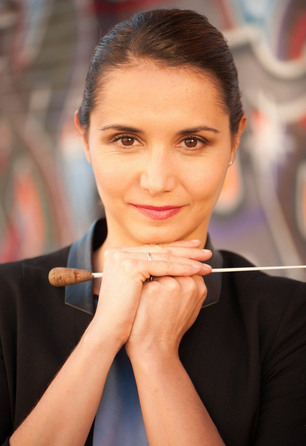 Julie Desbordes, conductor