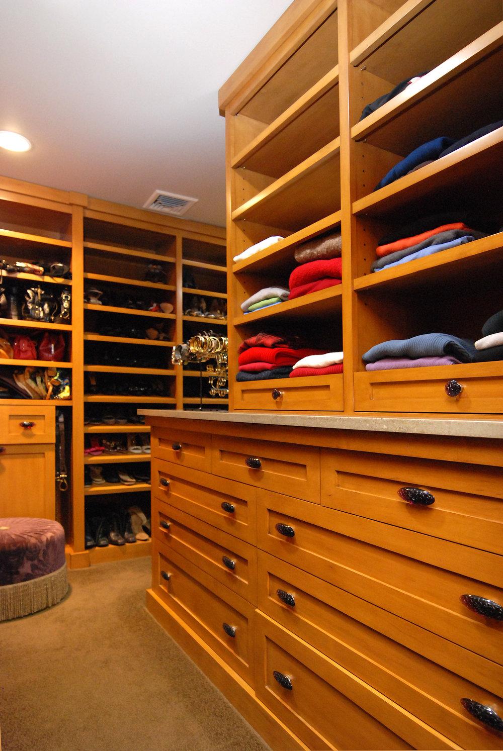 Closets1a.jpg