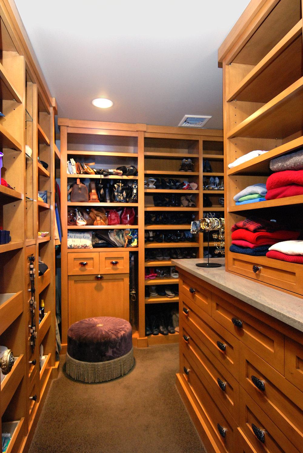 Closets1c.jpeg