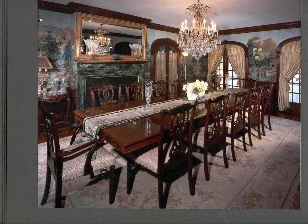 Traditional Dining Room.JPG
