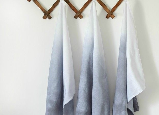 DIY Projects - Ombre Dip Dye Tea Towels