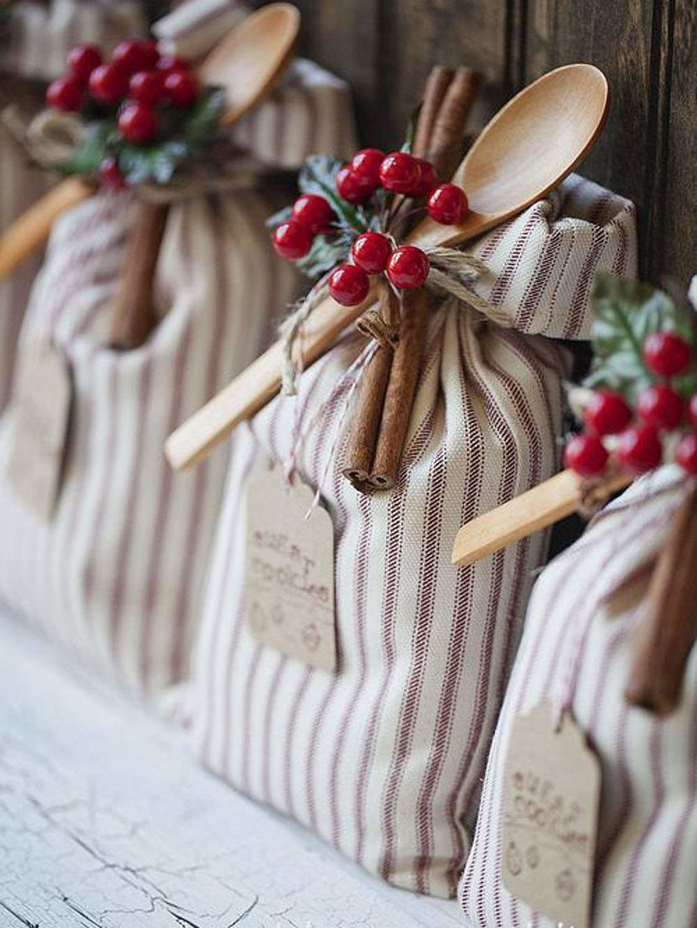 17 amazing handmade christmas gift ideas your friends and family
