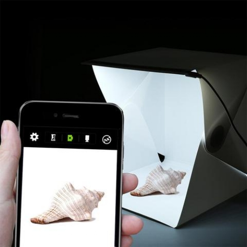 Quirky-Travel-Gifts-Foldable-Studio-Light.jpg