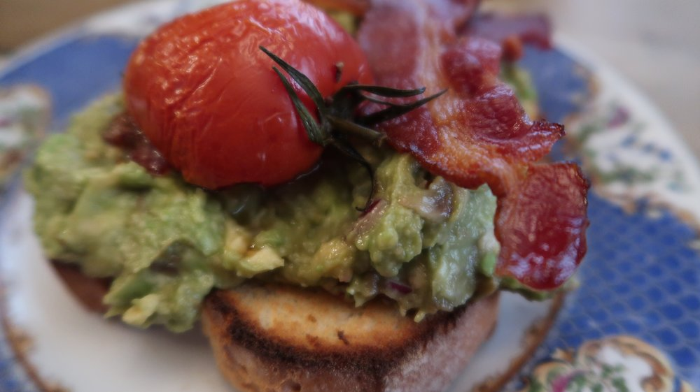 My favourite coffee shop Black Goo (@blackgoocoffee) serving up the smashed avocado!