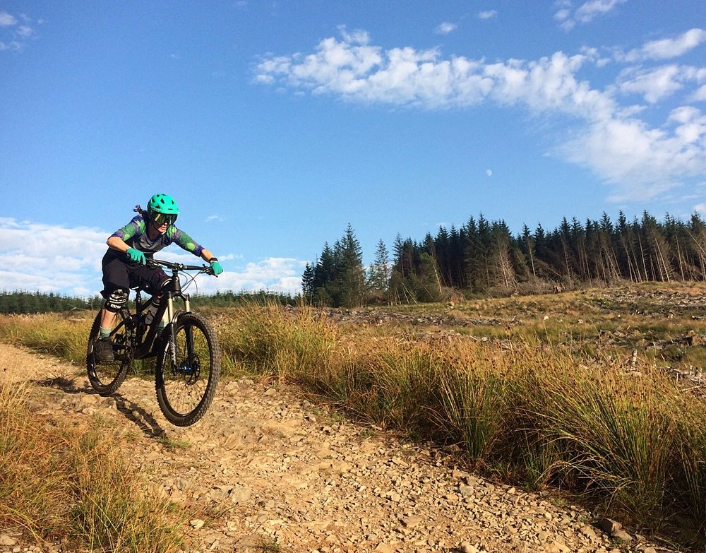 Jen Nuttall smashing out the trails, check out below to see what training sessions would be best at what time of the month.