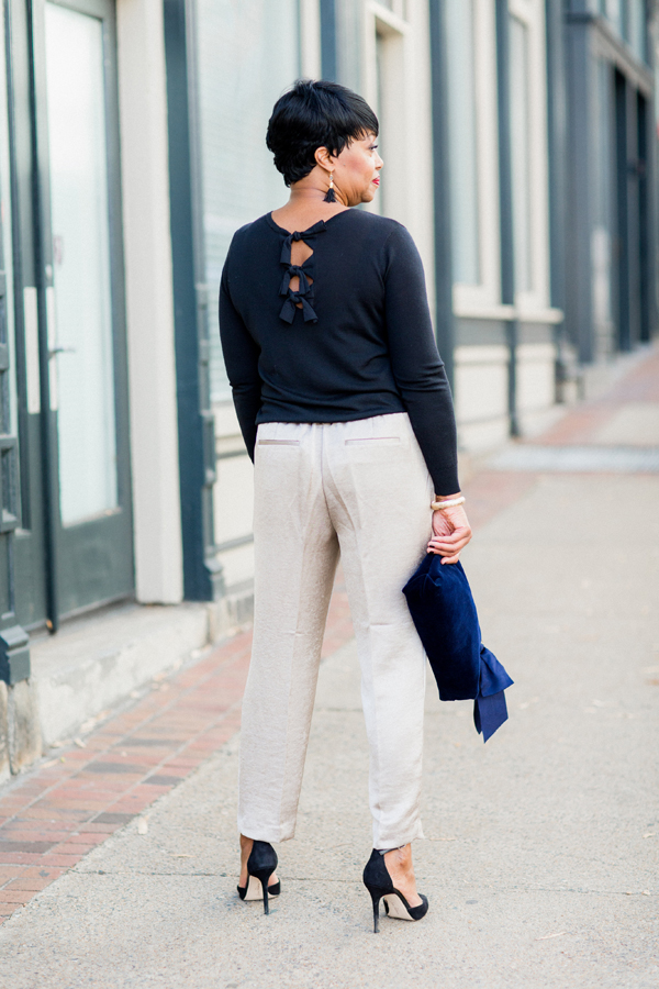 bow-back-sweater-ann-taylor.jpg