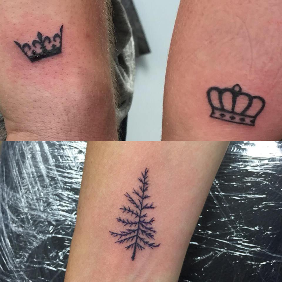 Top Image: Left crown done by: Skye --- Right crown done by: Kristen
