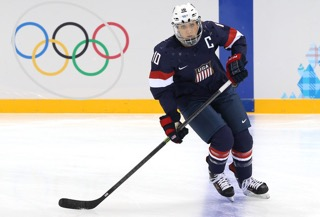 Photo Courtesy: https://www.omegawave.com/2016/08/30/goal-driven-us-olympic-hockey-player-meghan-duggan/