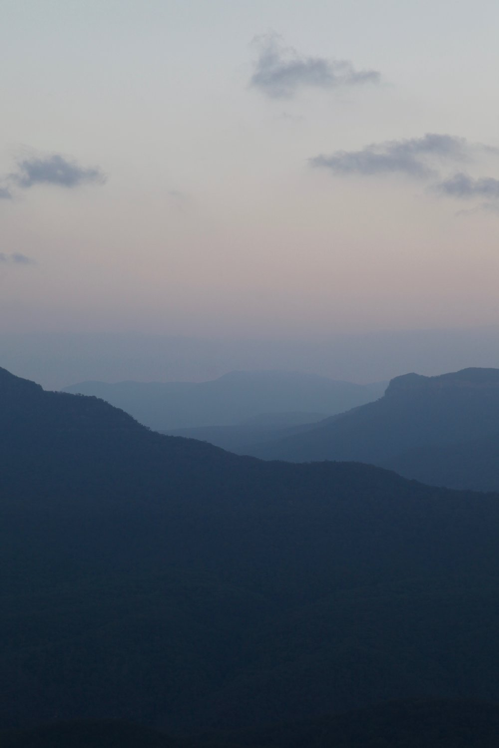 Sunset viewed from Gordon Falls lookout at Leura in the Blue Mountains.