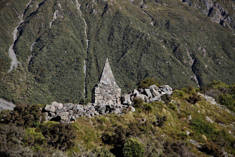 hooker-valley-alpine-memorial.jpg