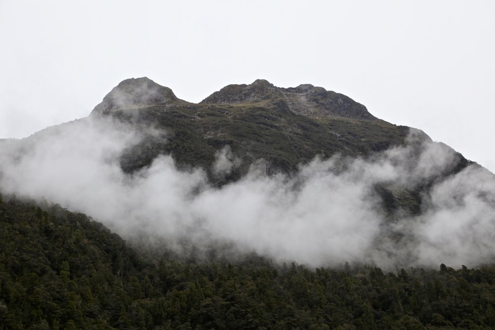 milford-sound-mountains.jpg