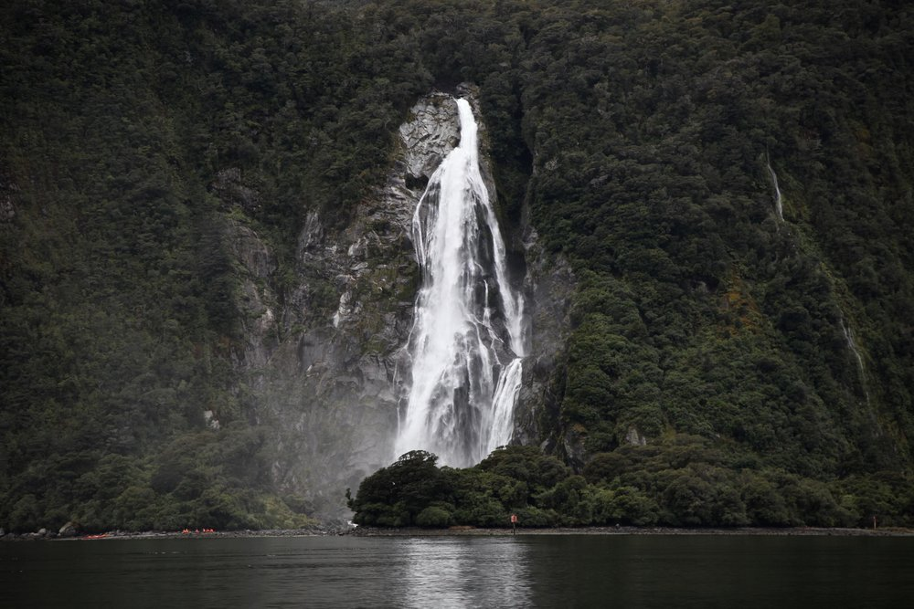milford-sound-waterfall.jpg