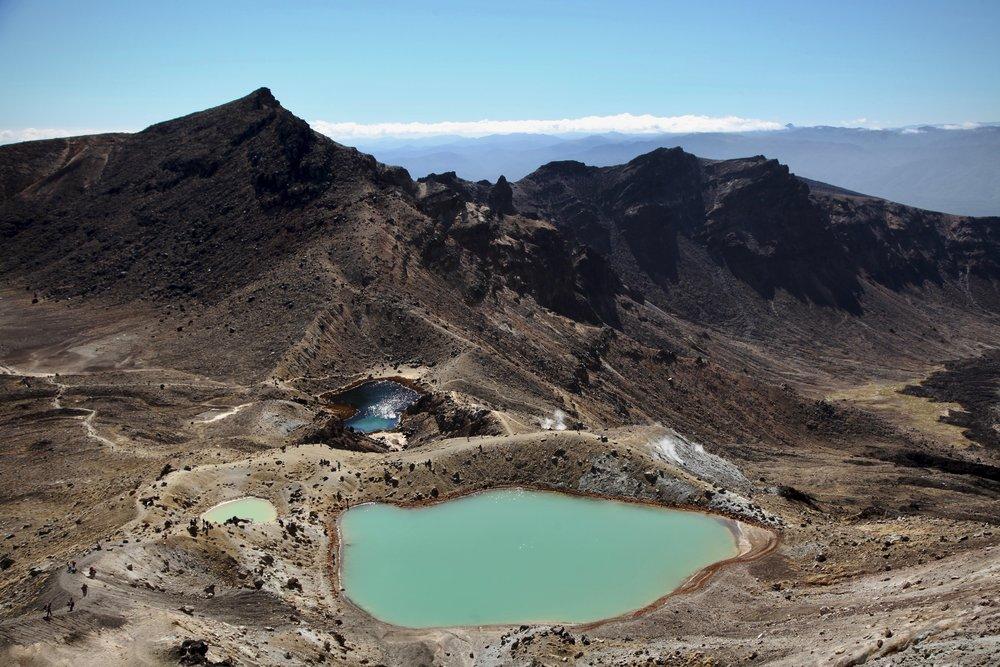 tongariro-crossing-emerald-lakes.jpg