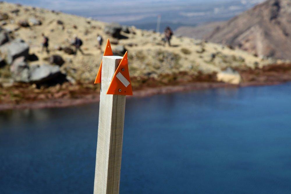tongariro-crossing-track-marker.jpg