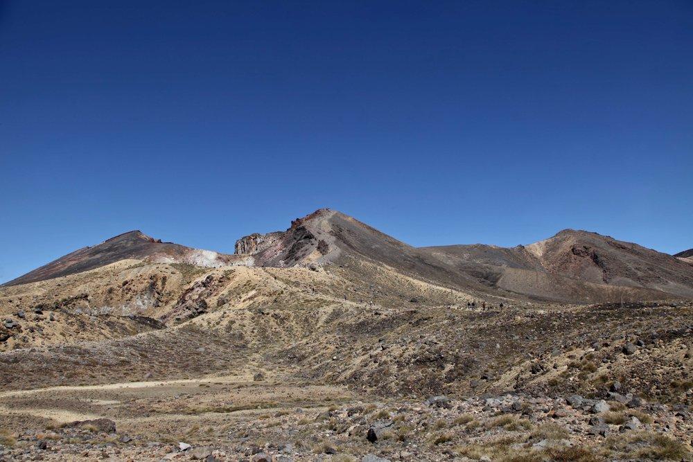 tongariro-crossing-day-hike.jpg