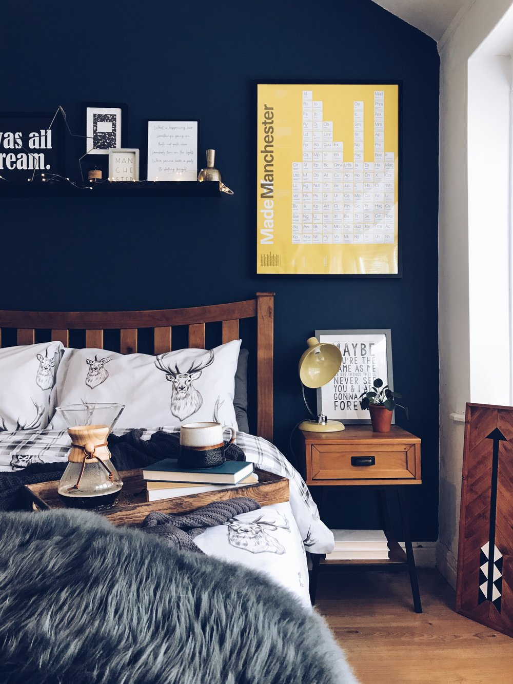Cosy bedroom decor
