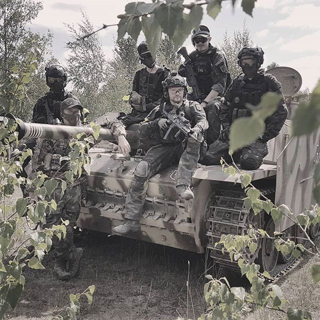 Team picture taken after Saving Private Ryan 3, on top of a STUG 3 - www.grousemediagroup.com - #airsoft #airsofteu #airsoftworld #airsoftsverige #airsofter #airsoftphoto #airsoftphotography #pewpewpew #pewpewlife #tactical #taskforce16 #actionsportgames #actionsports #operator #oper8dur #operationals #airsoftworldwide #airsoftacrosstheworld #airsoftinmotion #airsoftmotivation #featureairsoft #airsoftbible_feature #airsoftglobal #airsoftinternational #airsoftnation #nordicairsoft