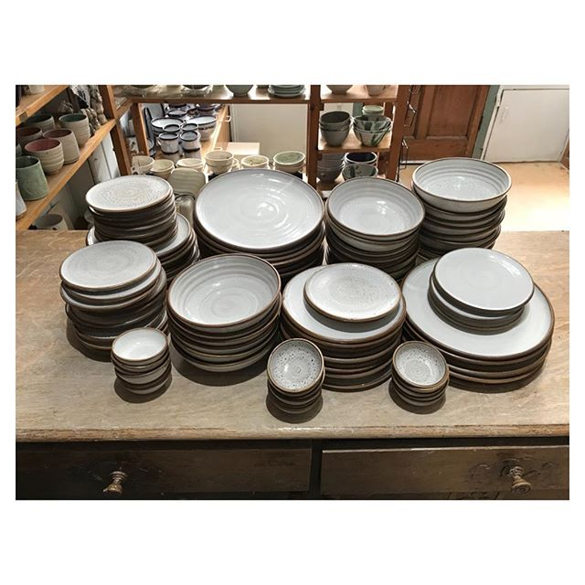 Just a few pieces making their way to Harlequin restaurant  #tableware #pottery #ceramics #productionpottery #handmade #craft #design #thrownonthewheel #maker #britishmade #restaurant #northstreetpotters #adriangonzalezpottery #stoneware #madeinlondon #instapottery #restaurantplate #whiteplate #wipedrim #ballclay #sets #highfired #plate #bowl #plate