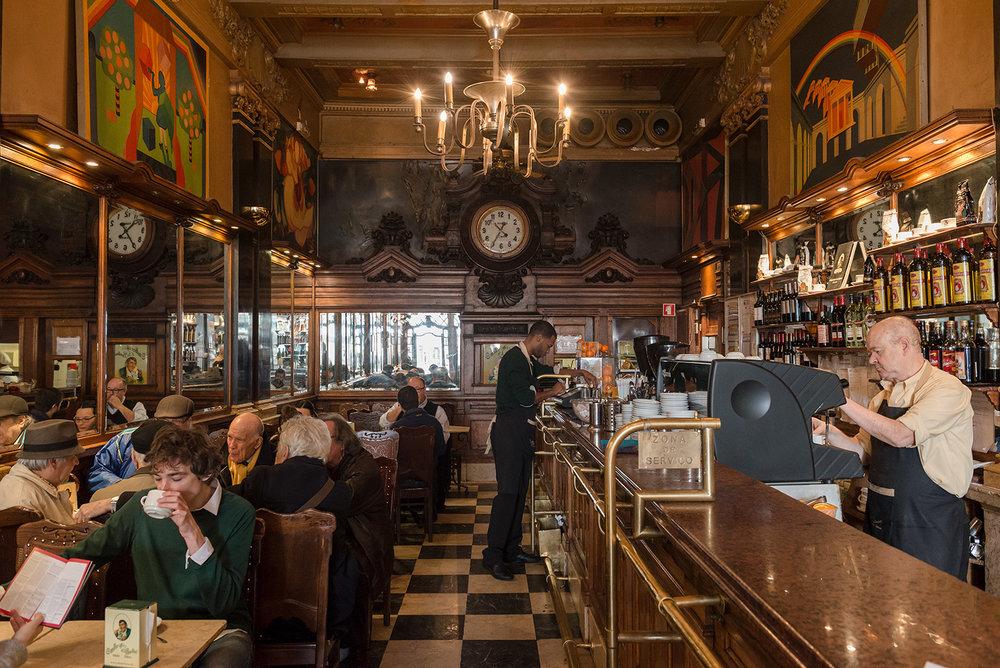 Lisbon-heritage-stores-and-cafe-A_Brasileira_012.jpg