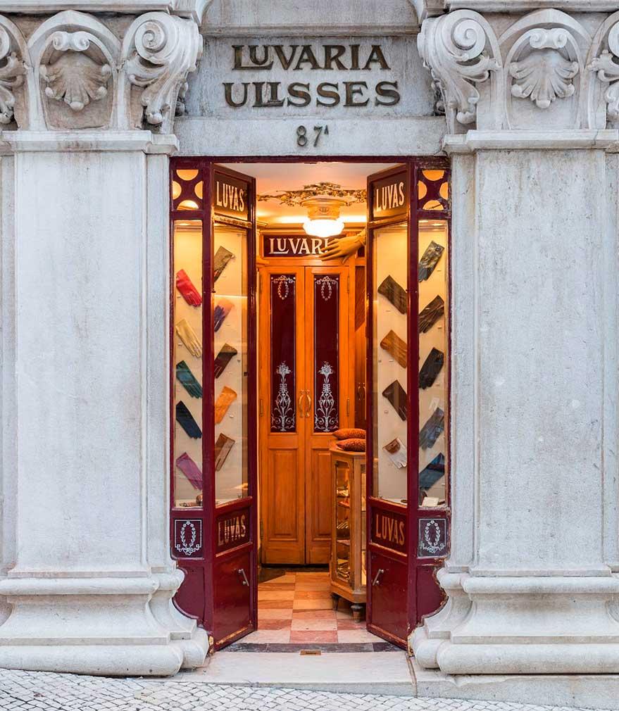 Lisbon-historic-shops-Luvaria_Ulisses_007.jpg