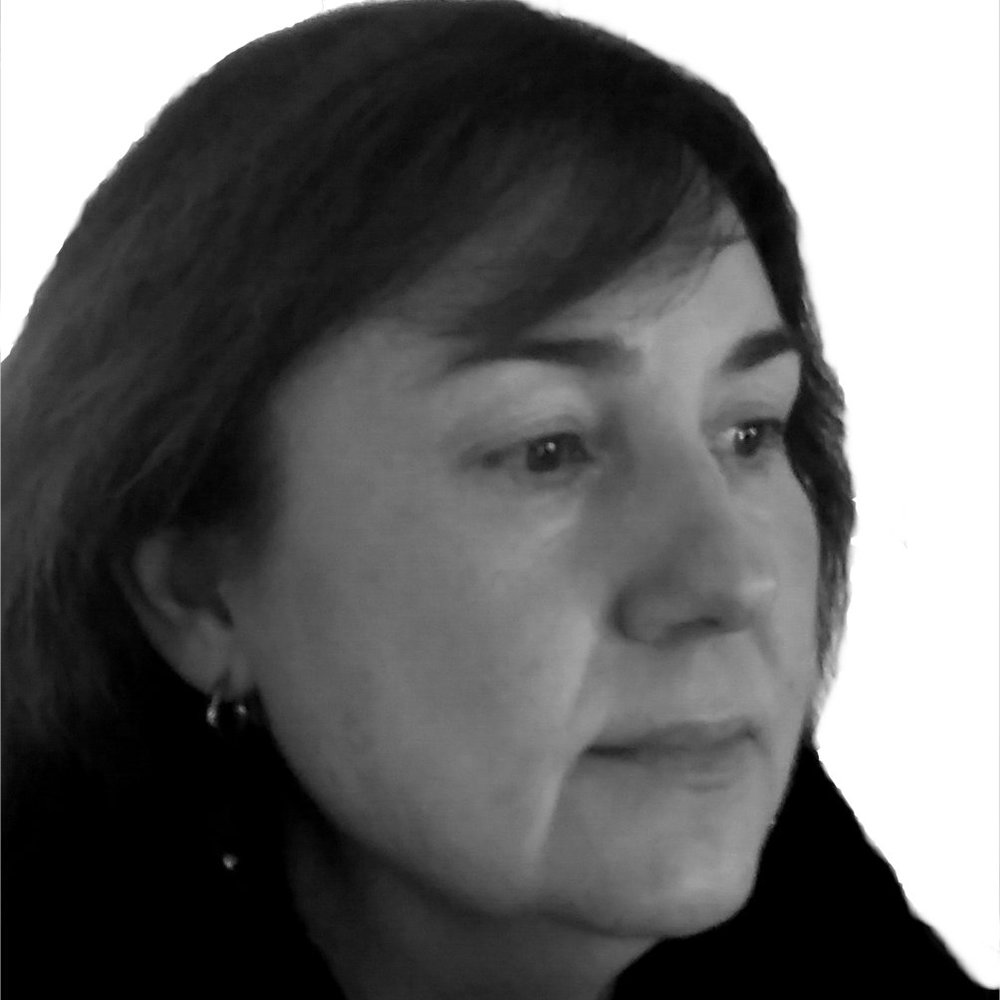 PAQUI LORITE GRÀCIA, admin and contact - Paqui graduated in Spanish Philology from University of Barcelona in 1985. Later on, in 2010, she took a course in Professional Text Correction at Escuela de Aplicaciones Profesionales del Lenguaje y la Edición Cálamo & Cran, and in 2016 she obtained a Professionalism Certificate in Programming and Organization of Cultural Events at Fundació Pere Tarrés. Ever since the beginning of her career, she has been a teacher, an editor and from 2002 she has worked with APAC as an administrative assistant.