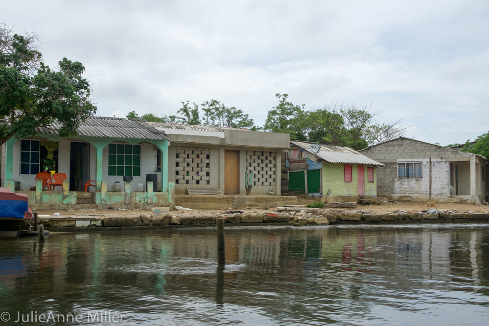Isla Baru village on water.jpg