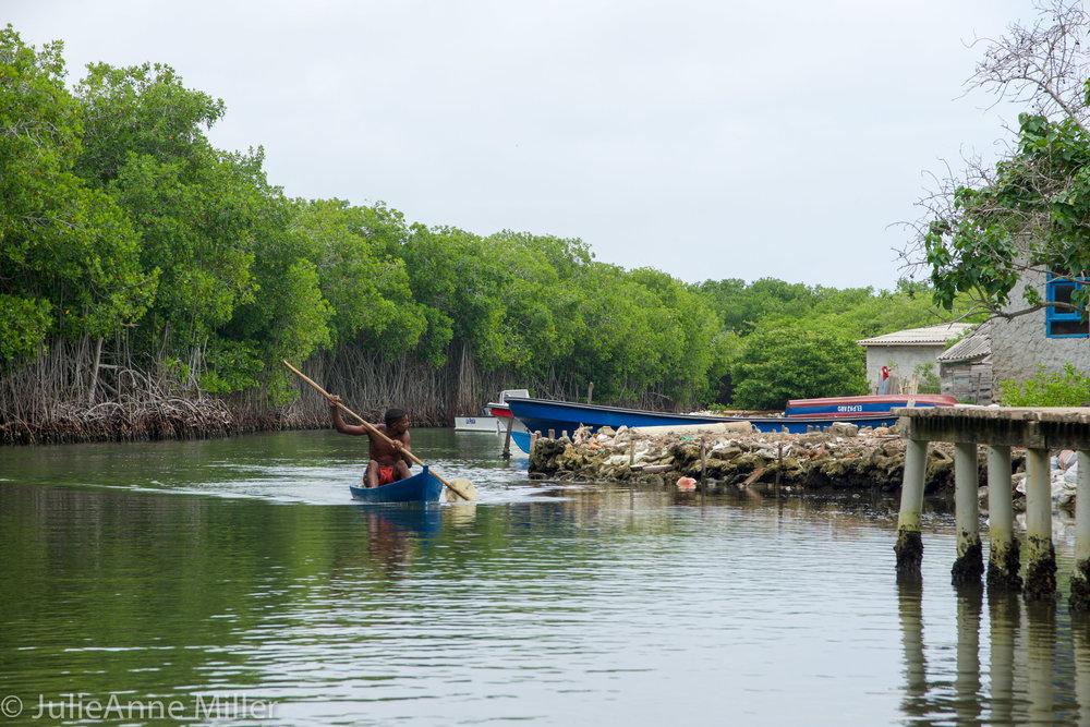 Rosario Islands man in canoe.jpg