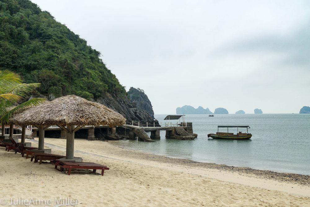 Monkey Island Beach Resort, Cat Ba