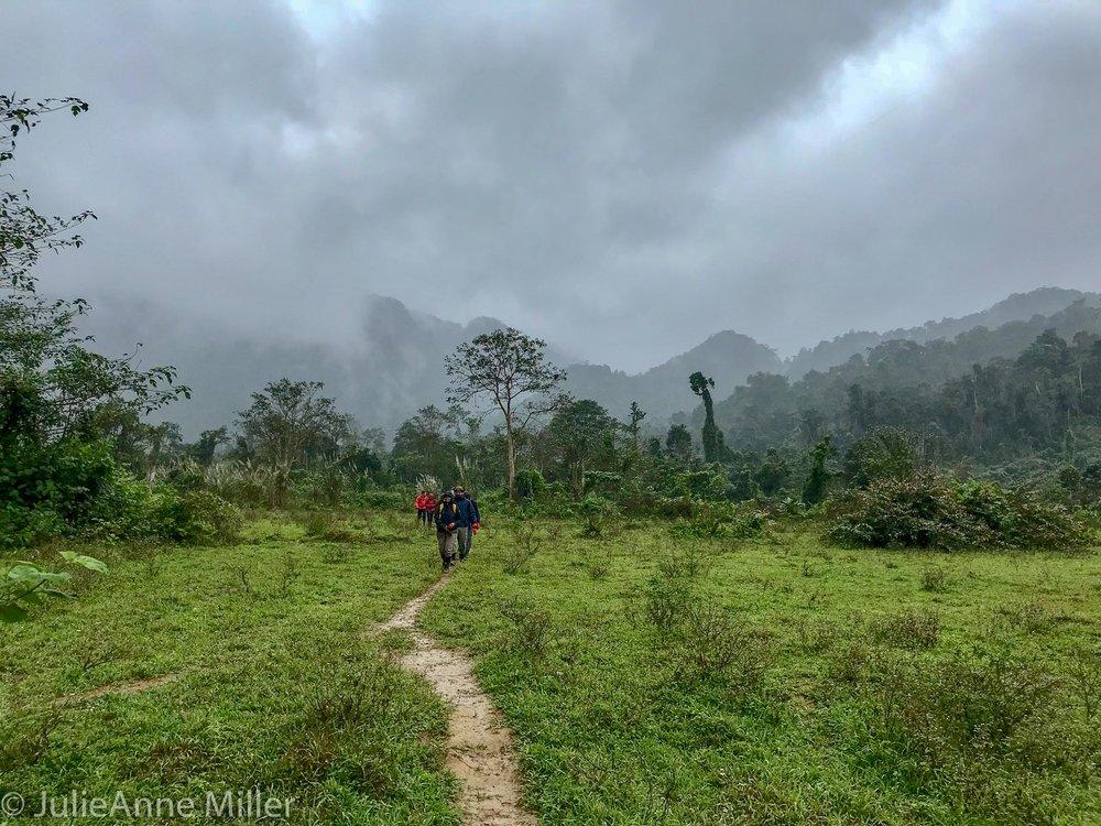 hike to Hang En