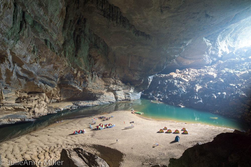 campsite in Hang En