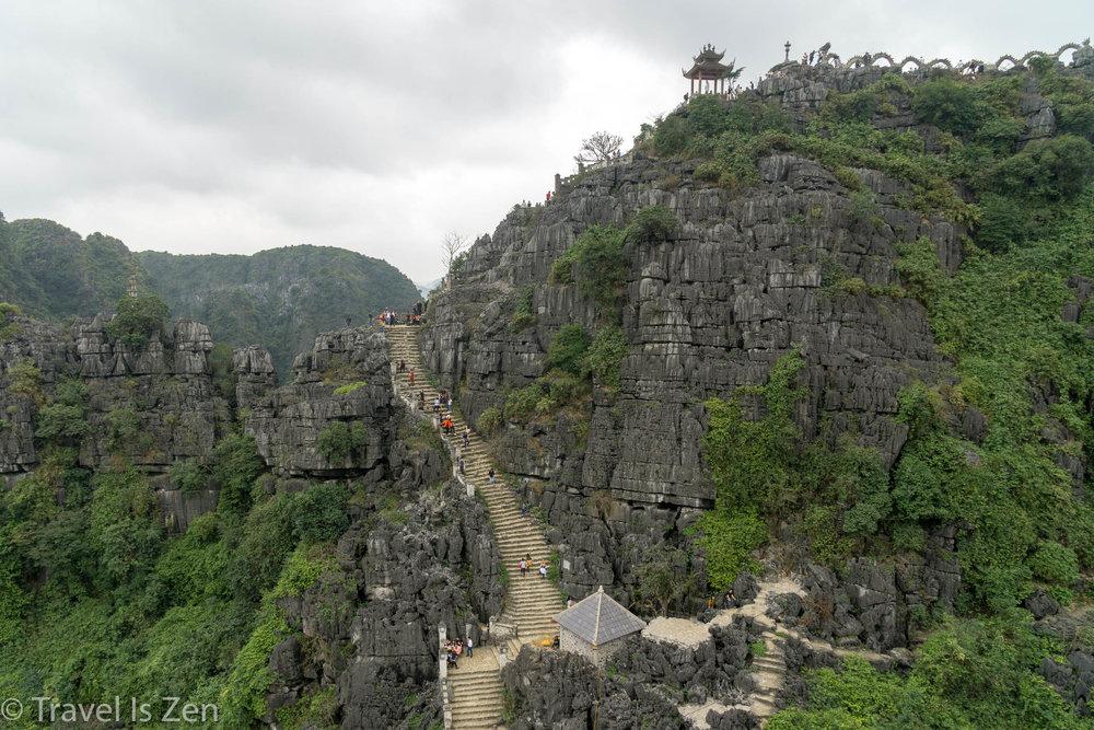 Mua Cave temple