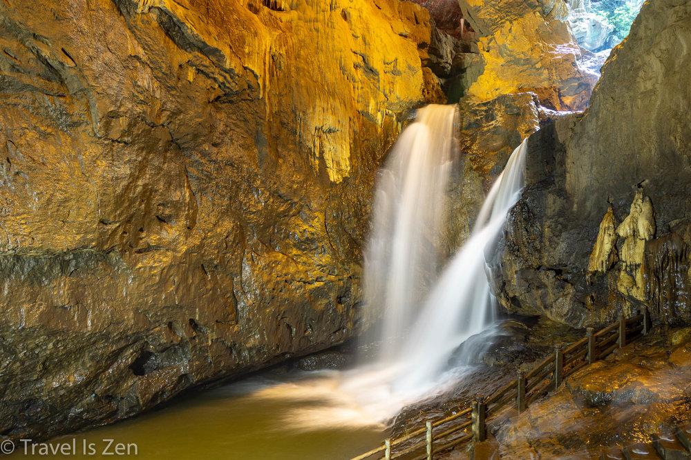 Jiuxiang Cave 九乡