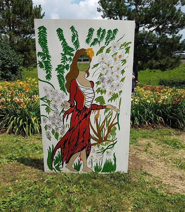What a beautiful day to spend in the garden. Murals designed by @undersedated look beautiful!! Thanks so much to everyone who organized the event, we had a great time!  #broomecounty #shakespeareinthepark #muchadointhegarden #communityart #communityevents #binghamton #publicart #murals #localart