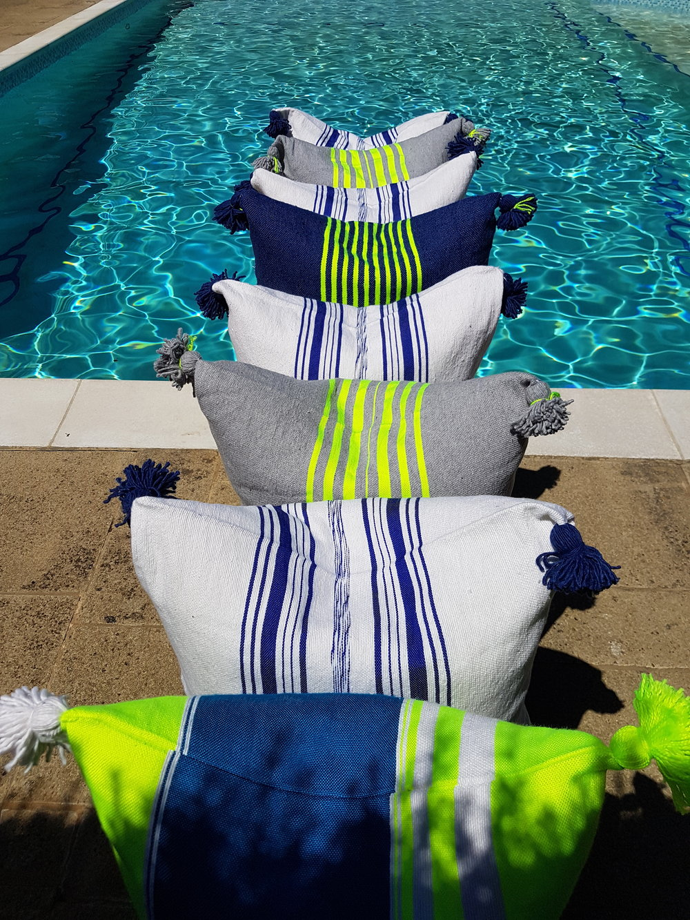 AnnaCoxCushions_Styling_poolcushions.jpg