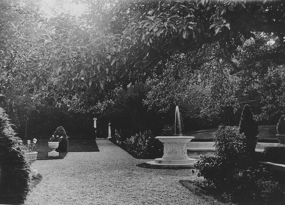 NAN72.3.3 Garden, fountain, ca. 1912_web.jpg