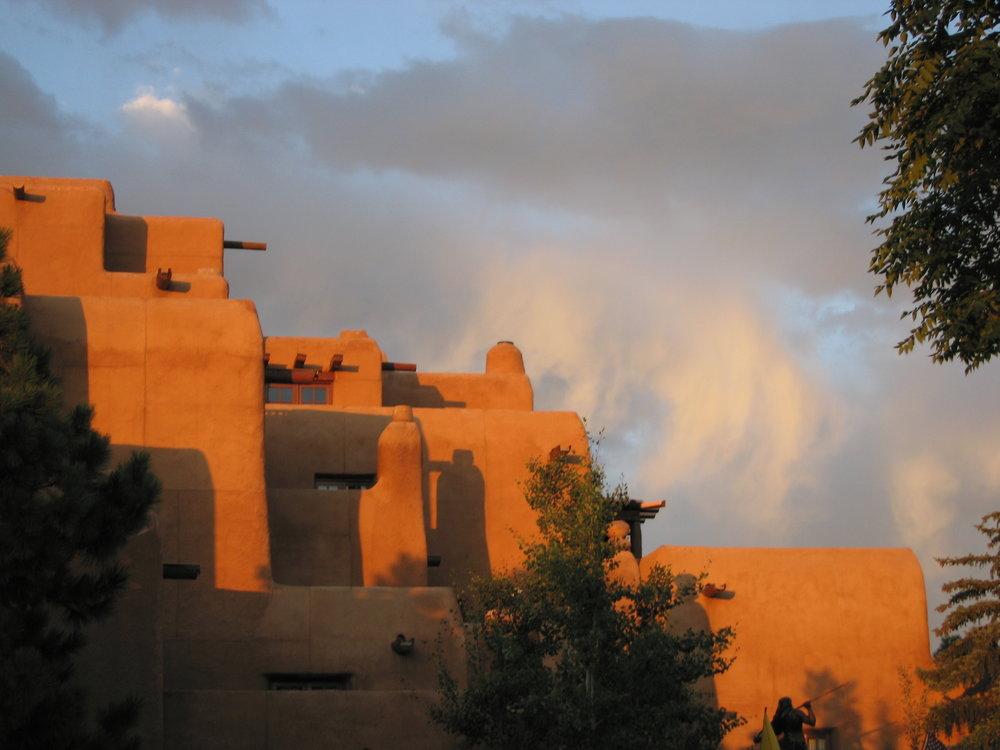 Adobe_in_Santa_Fe_at_the_Plaza_-_Hotel_Inn_and_Spa_at_Loretto.JPG