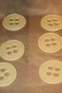 Raw-dough-button-sugar-cookies