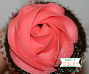sugar-and-crumbs-raspberry-ripple-chocolate-cupcake