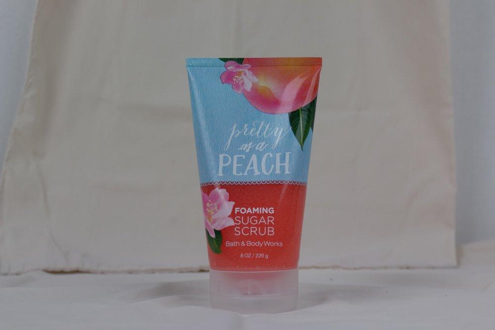bath-and-body-works-pretty-as-a-peach-foaming-sugar-scrub.jpeg
