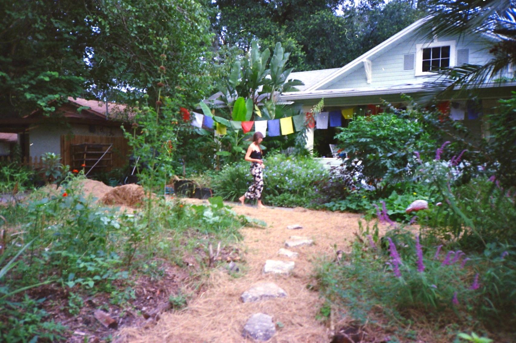 front-yard-garden