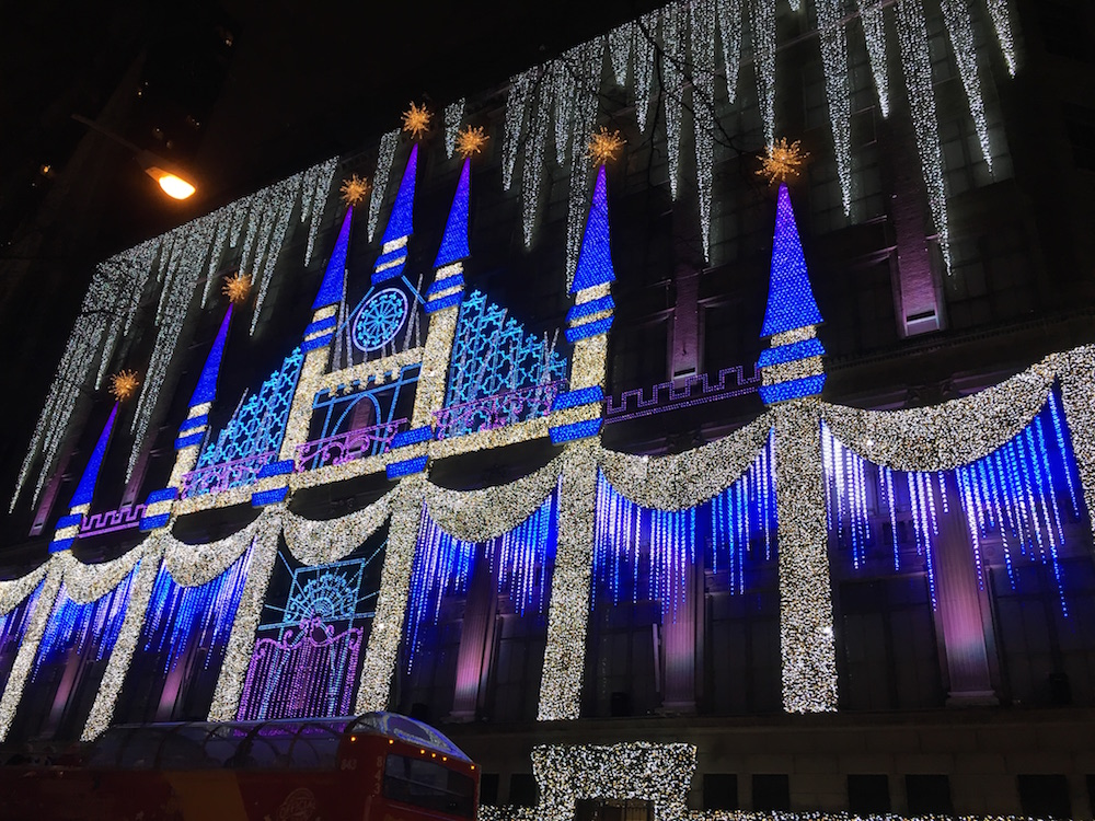 Saks light show 2.JPG